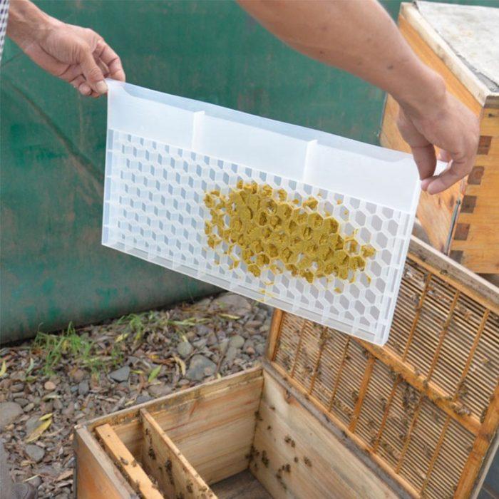 Beehive-Pollen-bee-Feeder-4